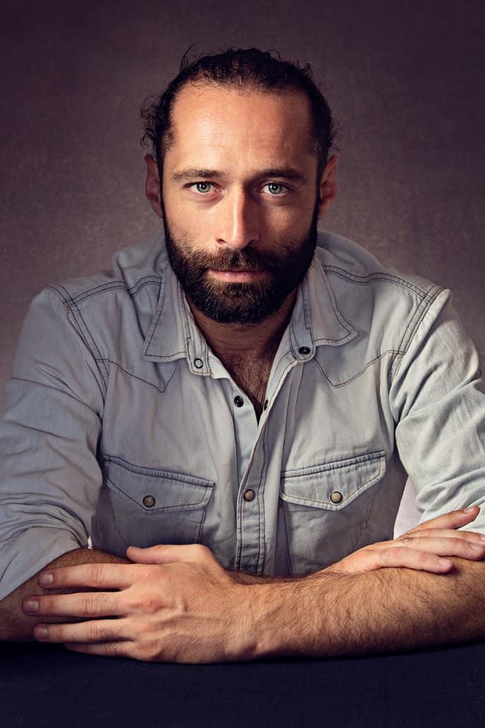 Портрет на Кристиян Милатинов - фотограф Петър Пешев